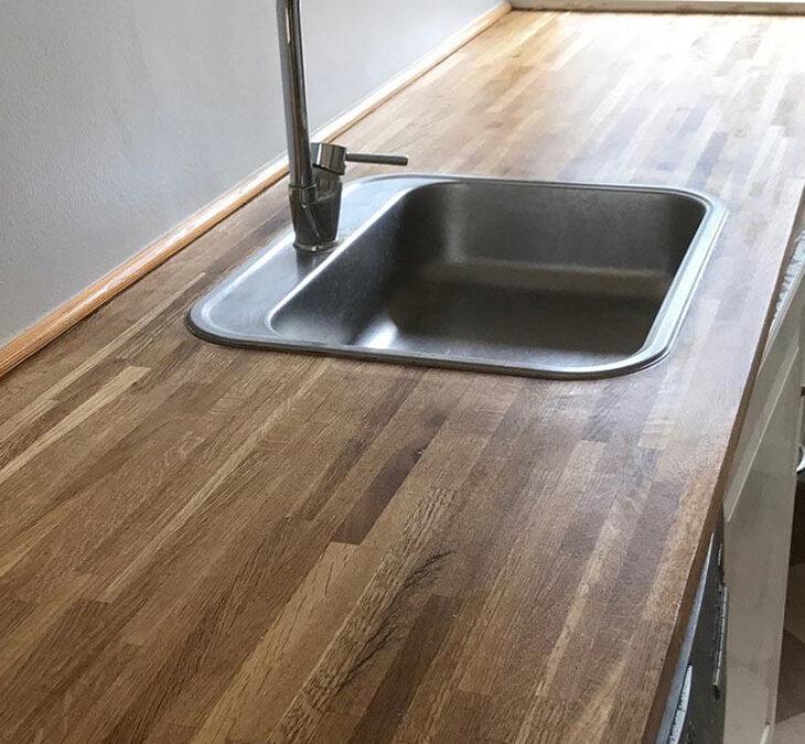 Slib af egetræskøkkenbordplade