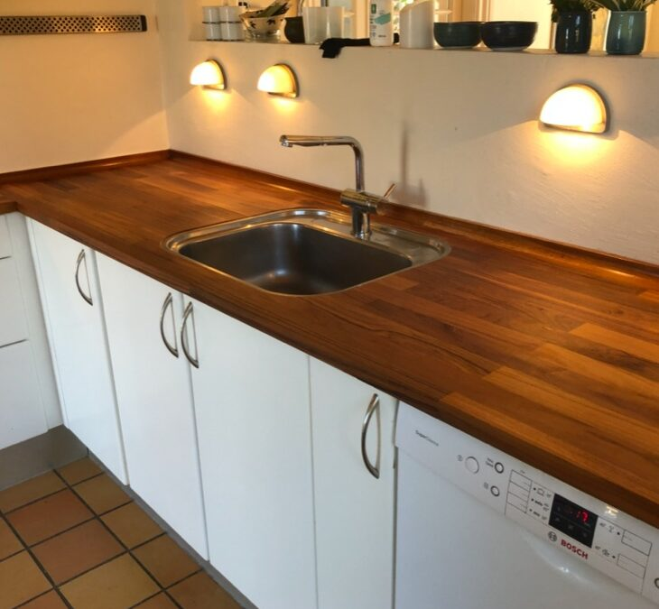 Slib af mahogni køkkenbordplader