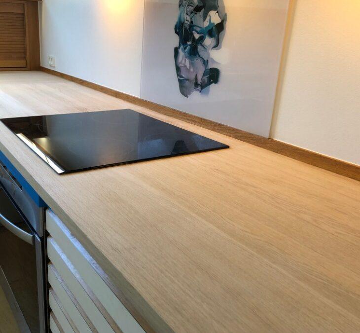 Slib af egetræskøkkenbordplader